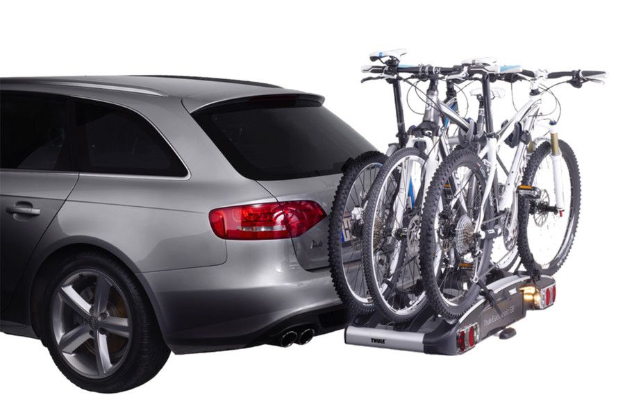 thule_euroclassic_g6_929020_929021_3b_13pin_oc_with_bikes_white_4_sized_900x600